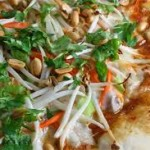 kun som thai pizza